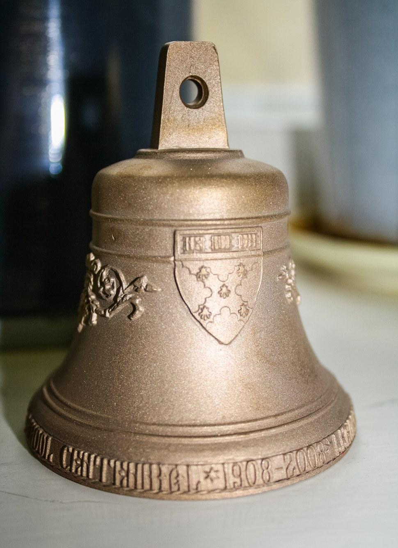 Колокольчик 0,3 кг для Lowell House, Гарвардский университет, США, 4500 шт